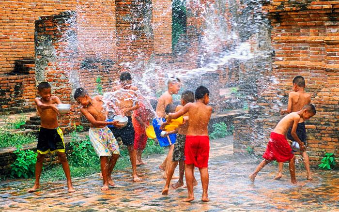 фестиваль воды Катаклизмос