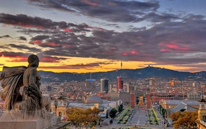 погода в Барселоне в августе