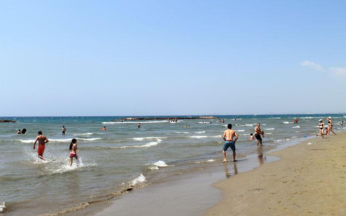 Пляж на военной базе