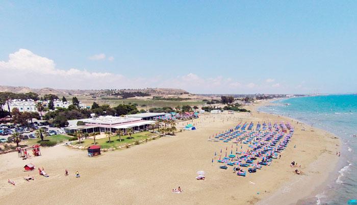 Пляж возле Декелии