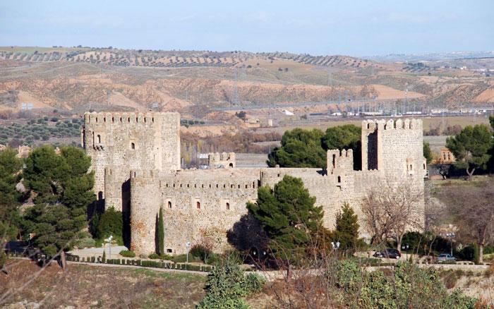 Замок Сан-Сервандо